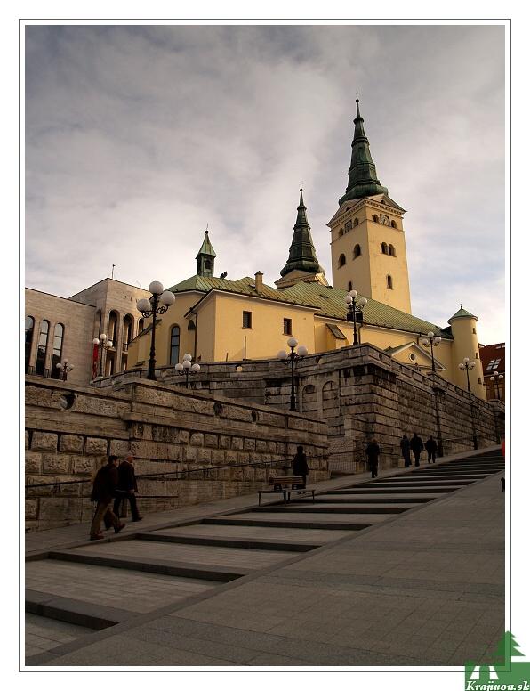 Farský kostol a Farské schody